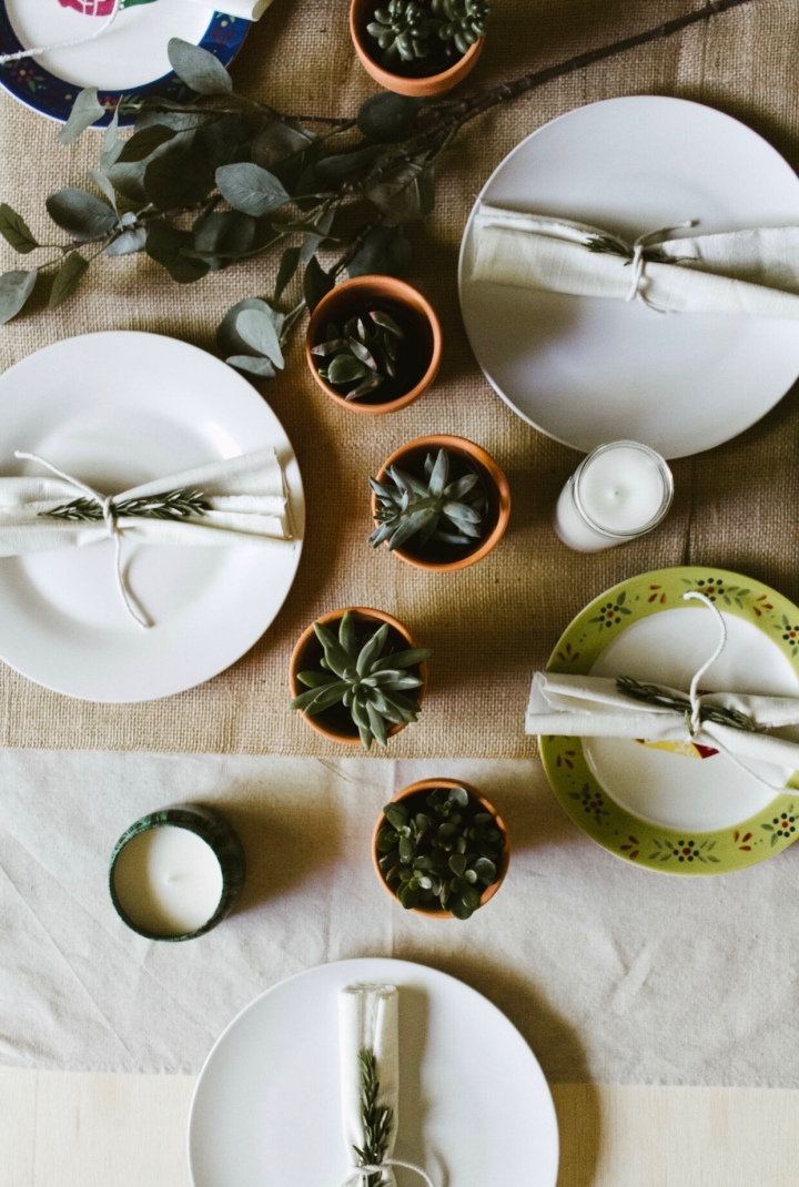 Turning a Surface into an Experience (Tablescape Tips) //